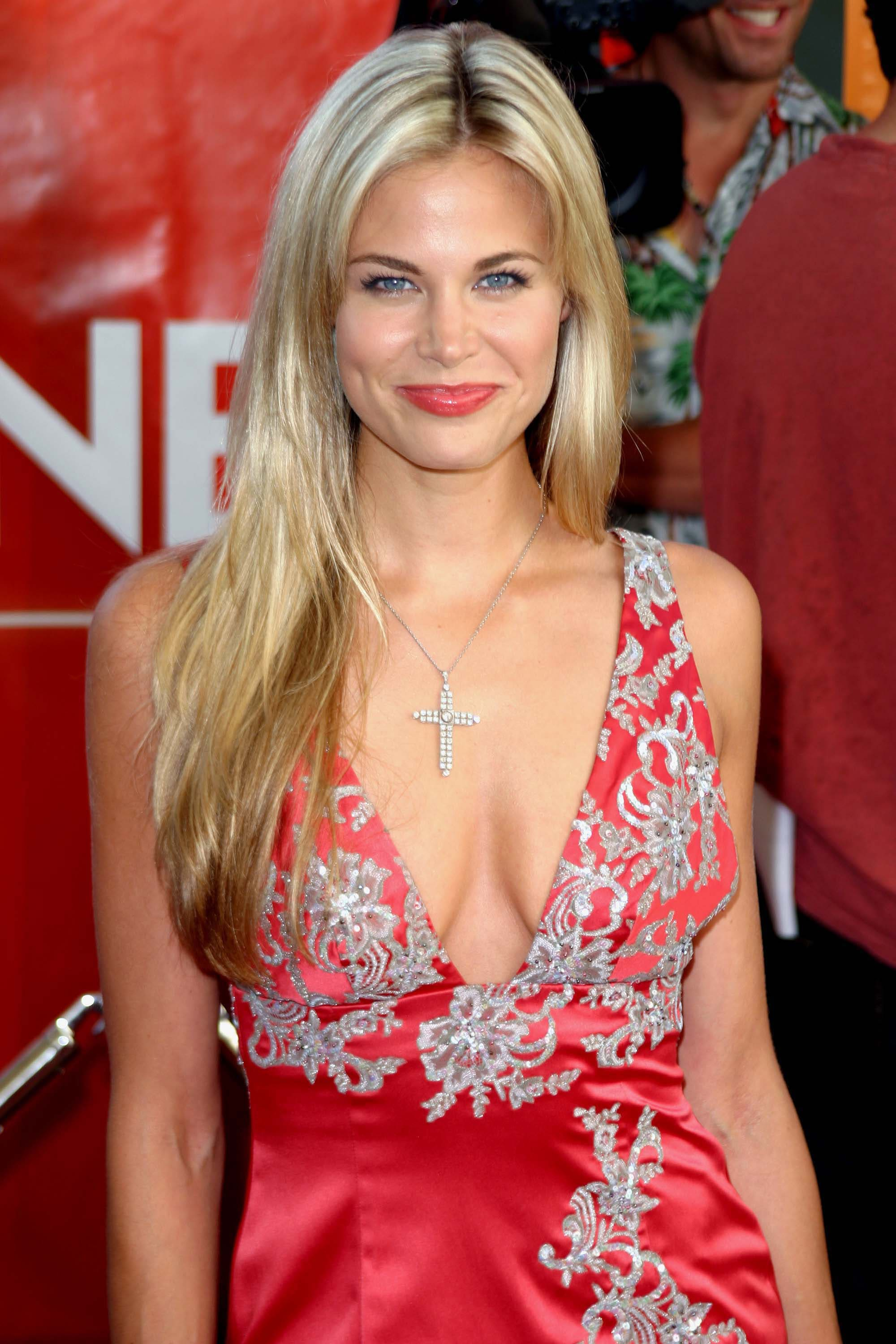 Brooke Burns Background