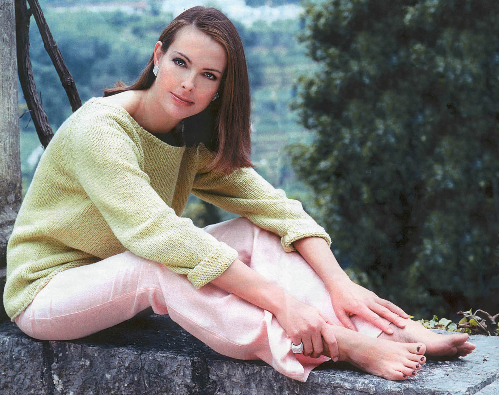 Carole Bouquet Background