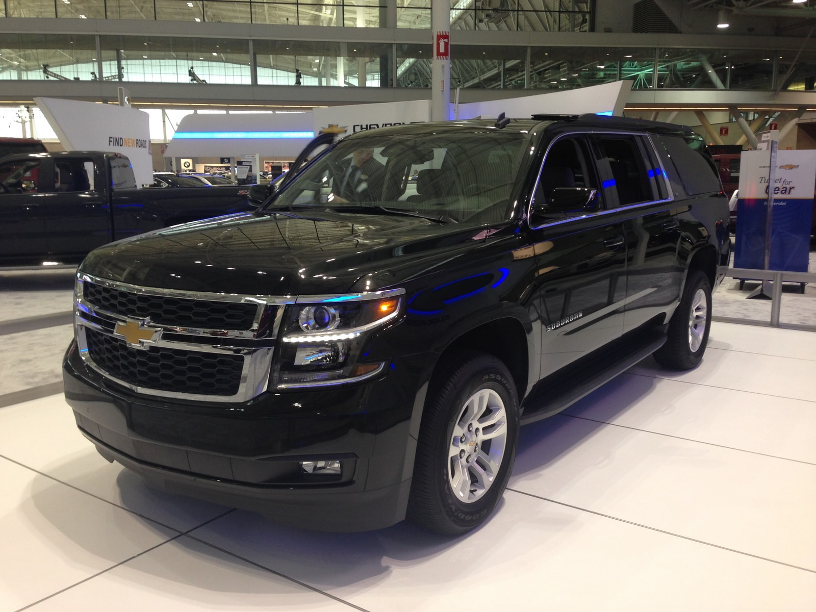 Chevrolet Tahoe 4 Background