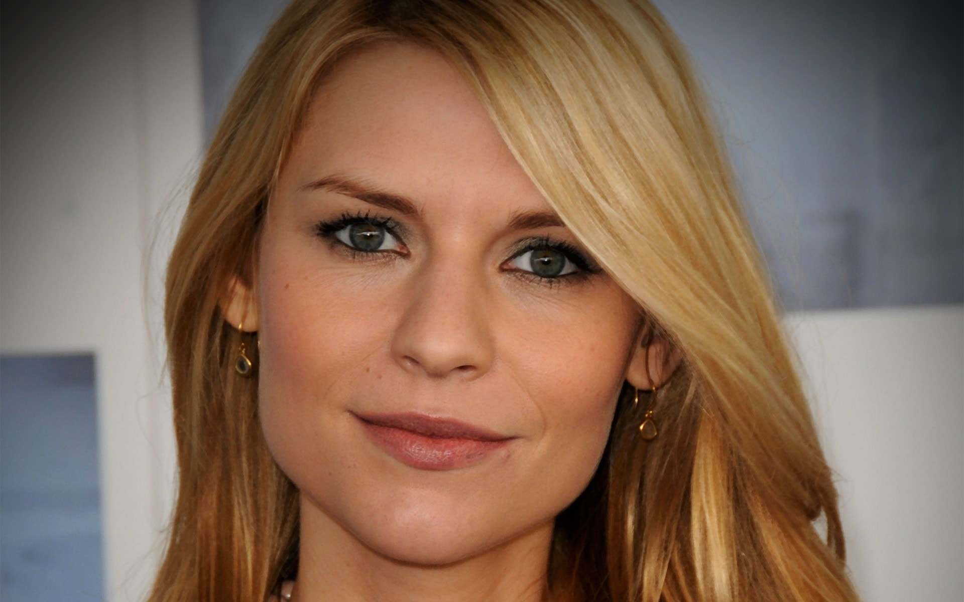 Claire Danes Background