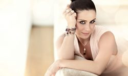 Dgovanna Antonelli Background