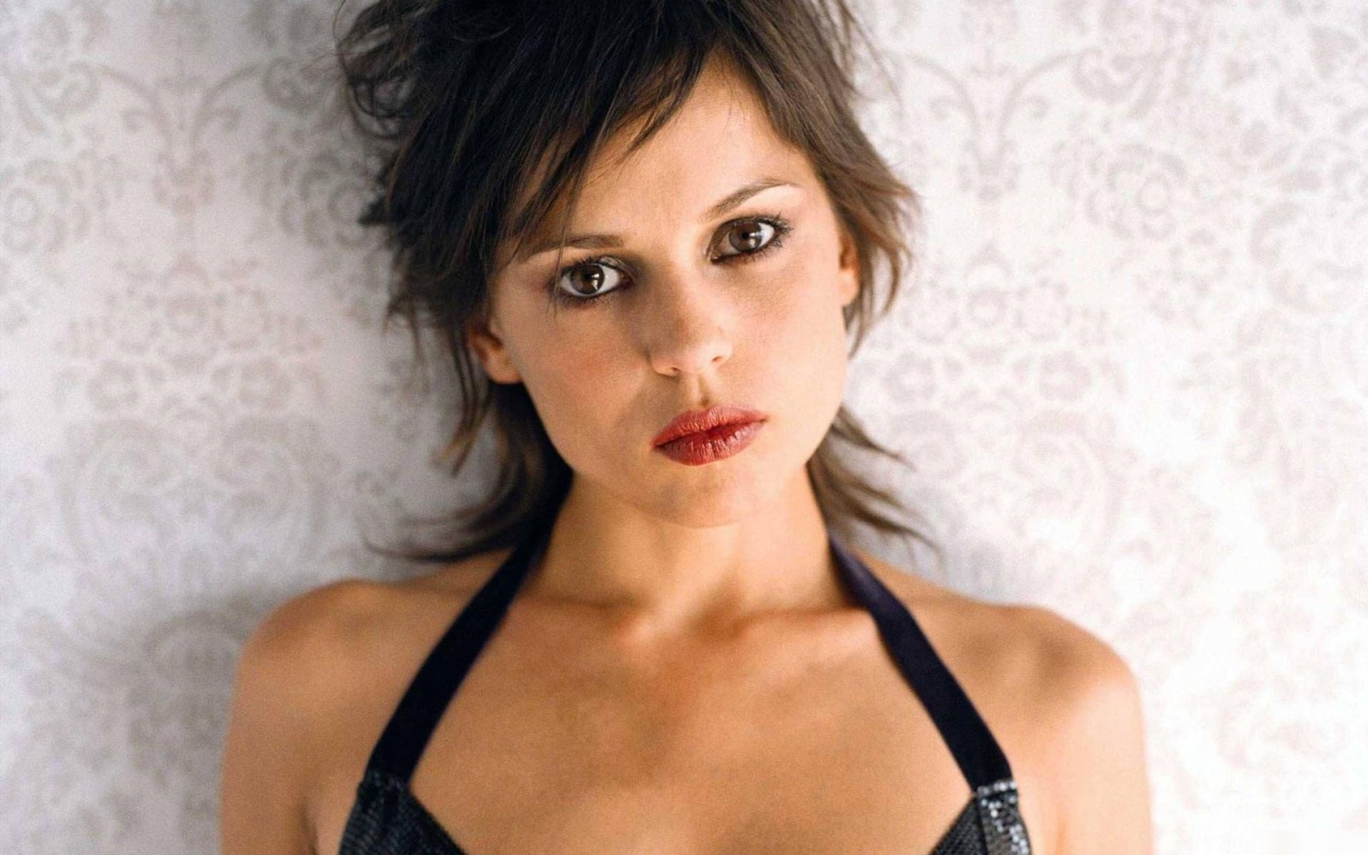 Elena Anaya Background