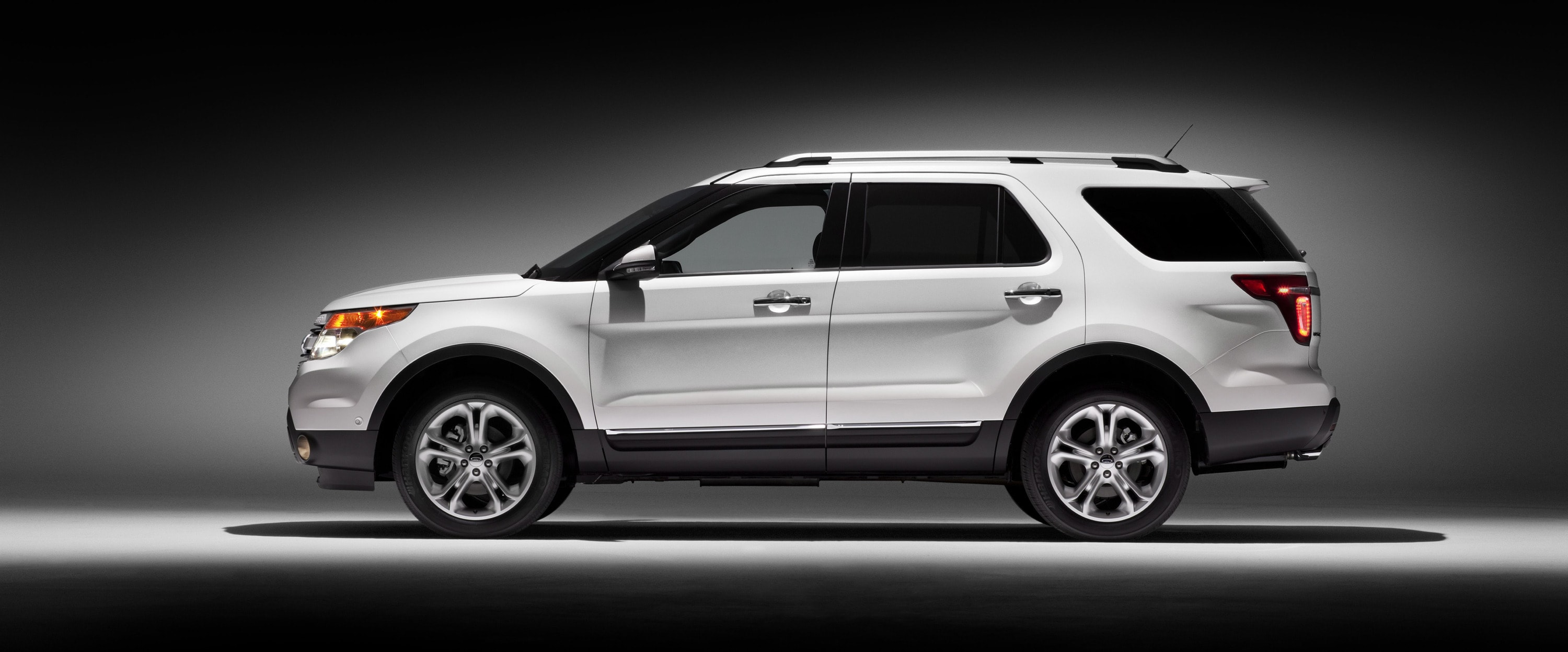 Ford Explorer Background