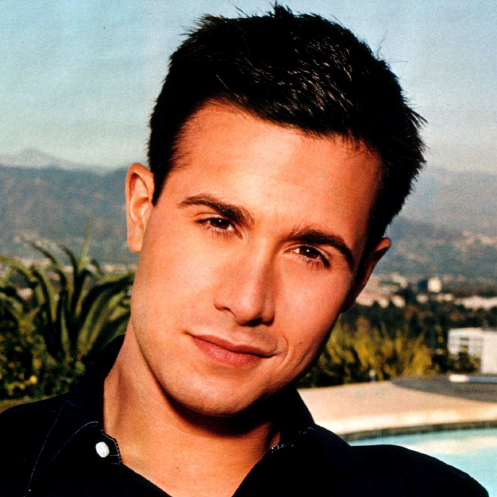 Freddie Prinze Jr. Background