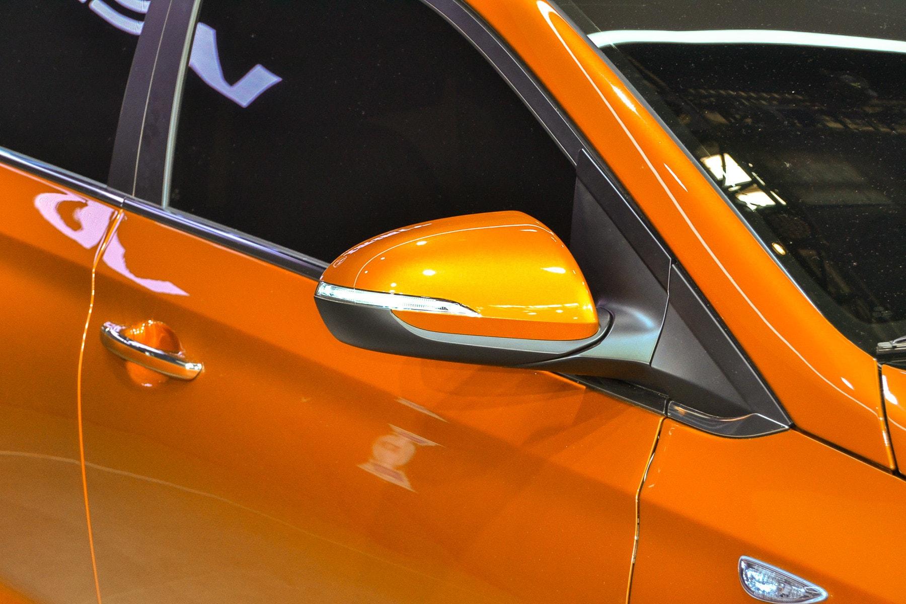 Hyundai Solaris 2 HD pictures