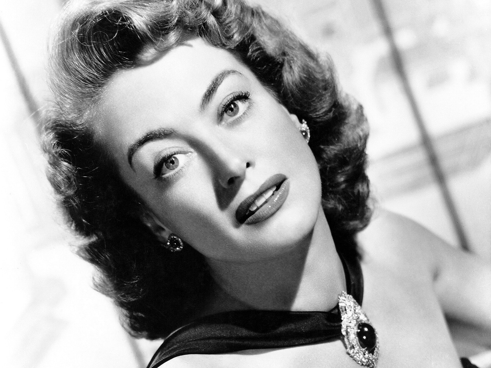 Joan Crawford Background