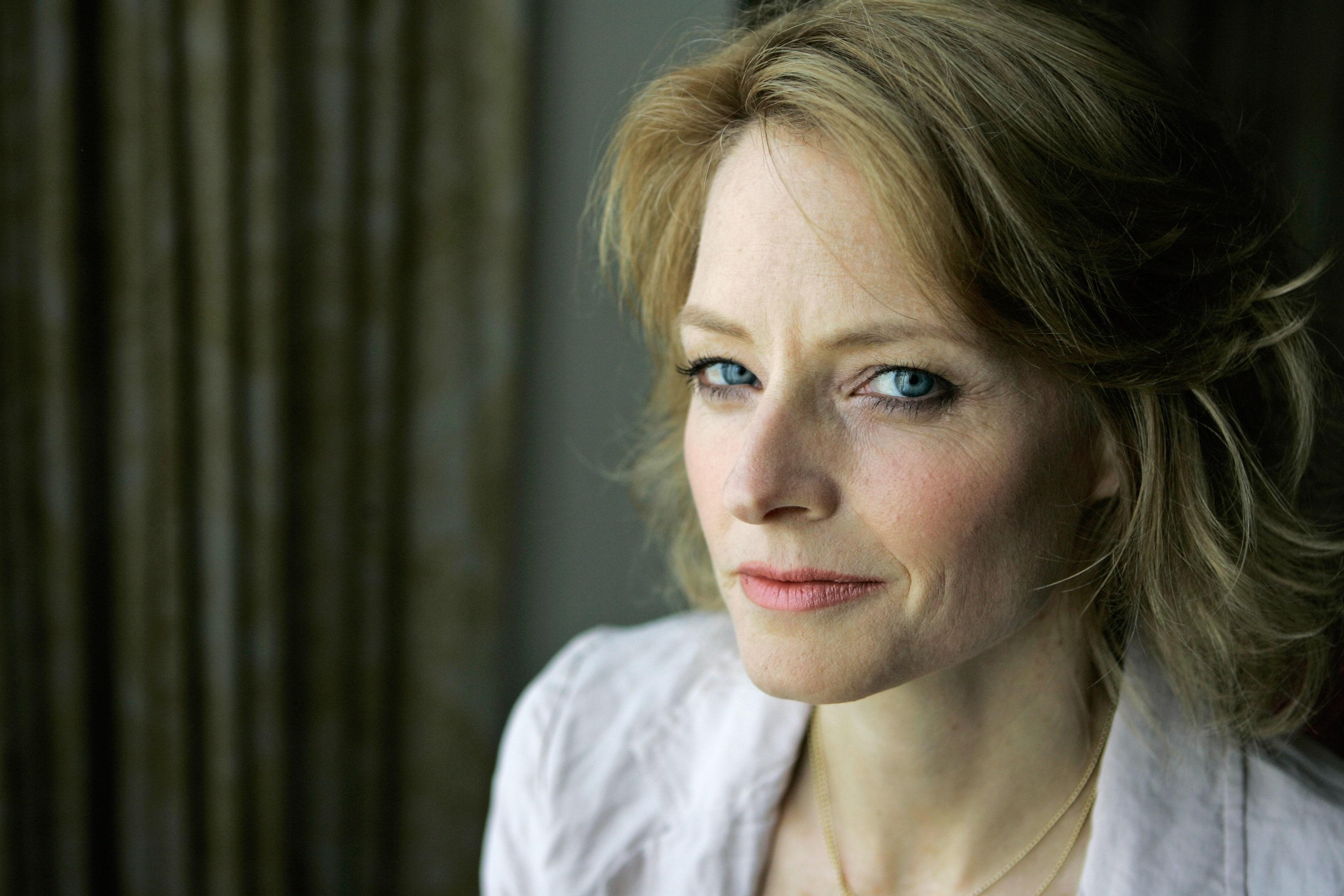 Jodie Foster Background