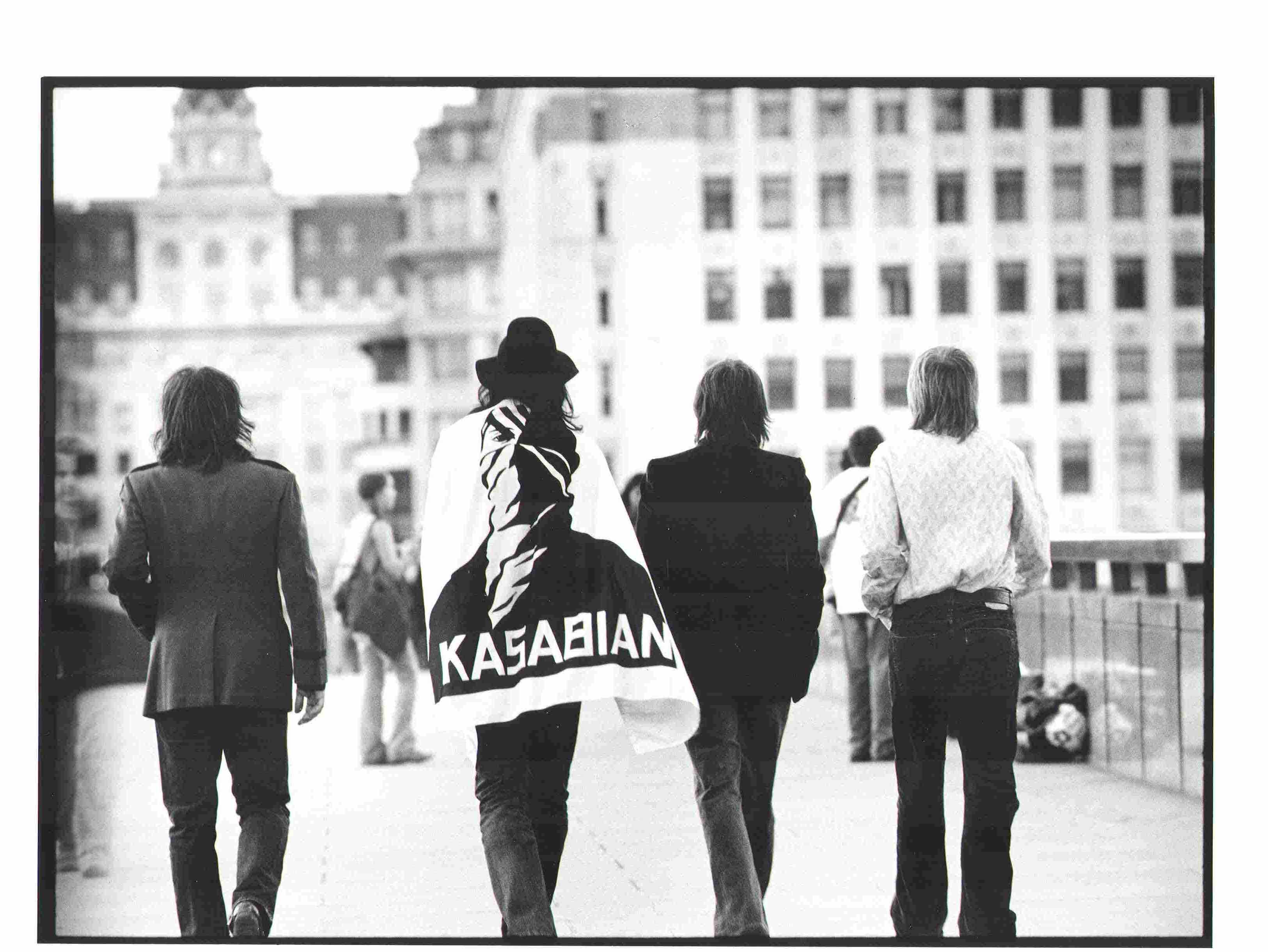 Kasabian Background