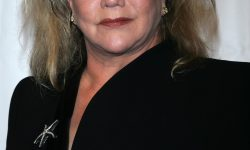 Kathleen Turner Background