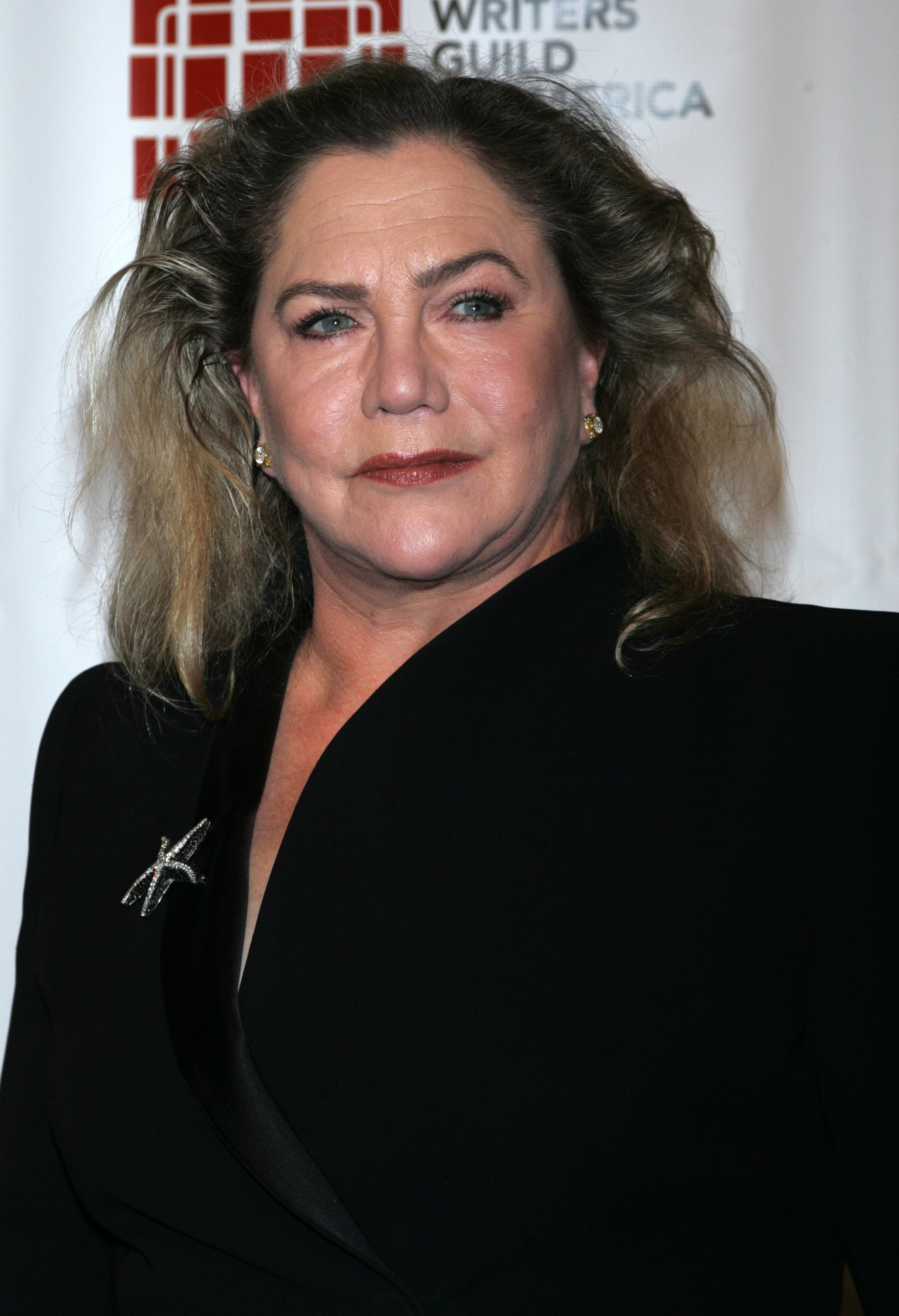 Kathleen Turner Background