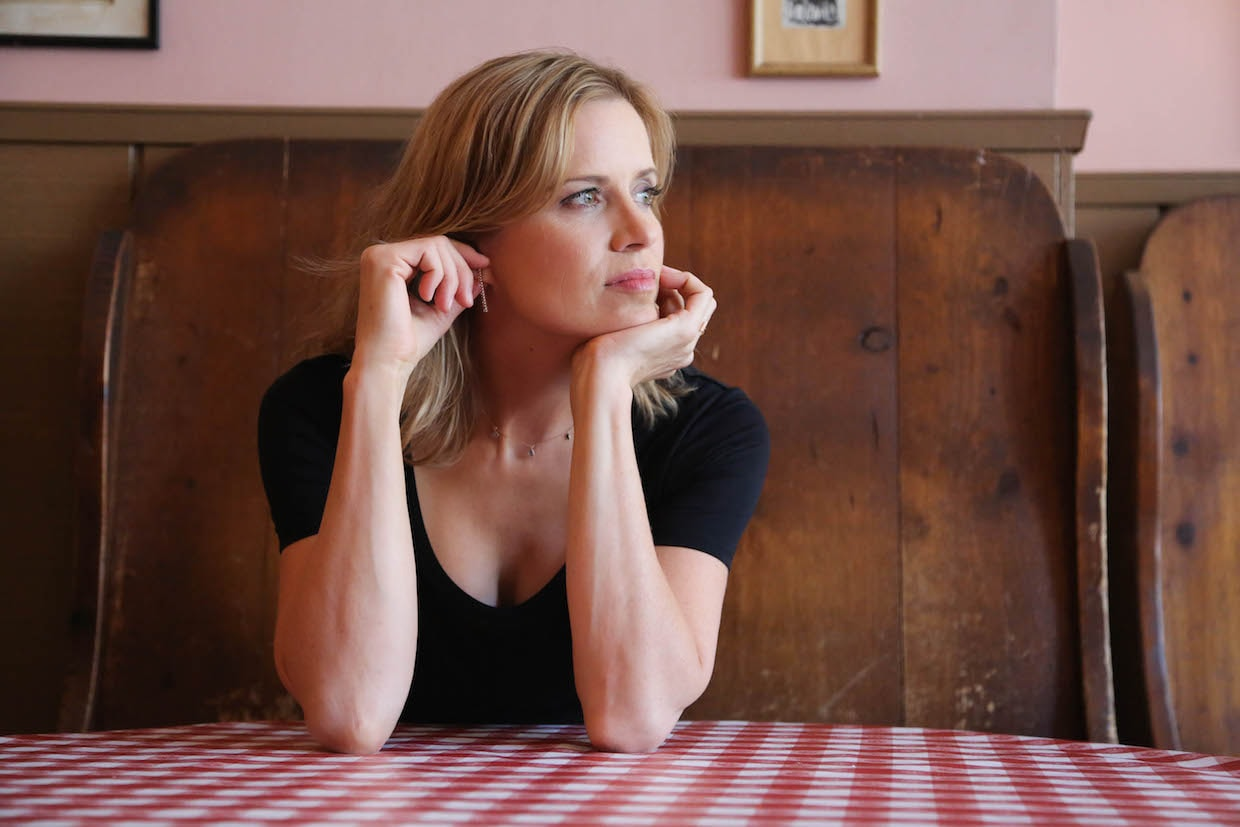 Kim Dickens Background