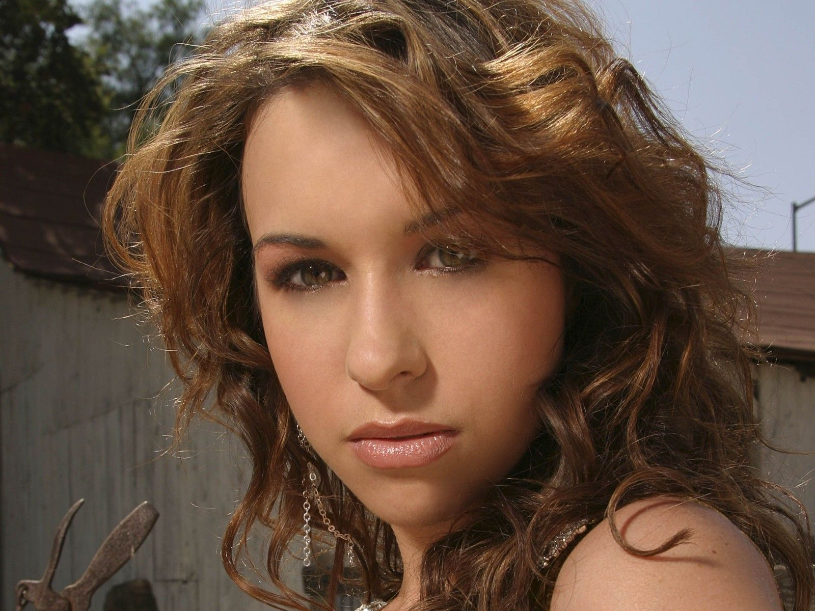 Lacey Chabert Background