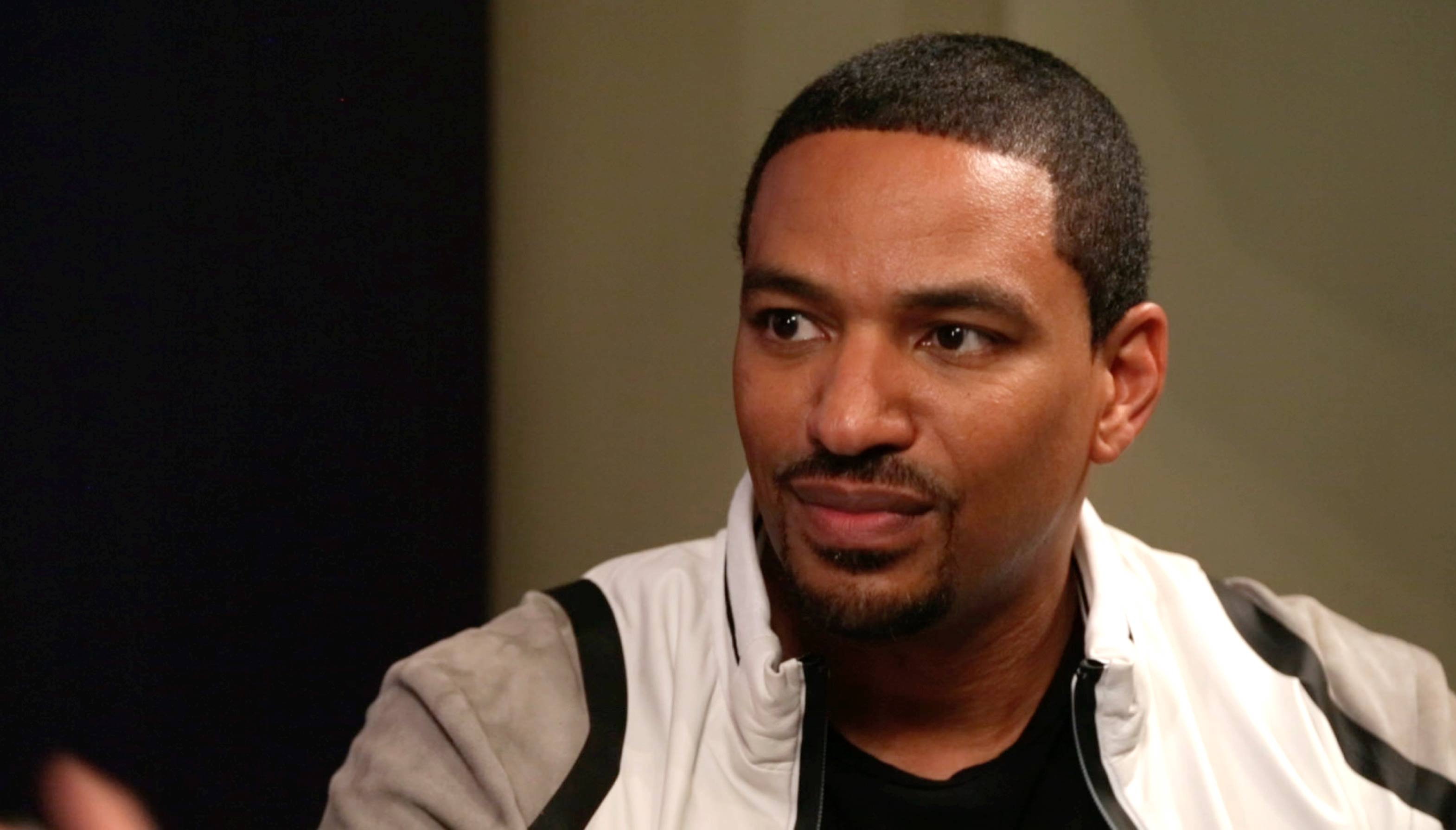 Laz Alonso Background