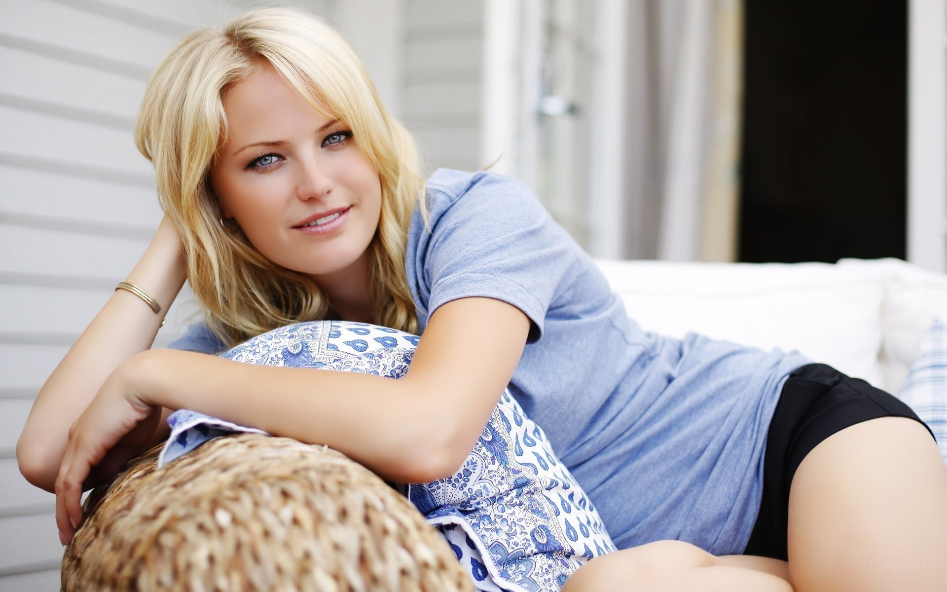 Malin Akerman Background