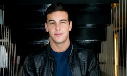 Mario Casas Background