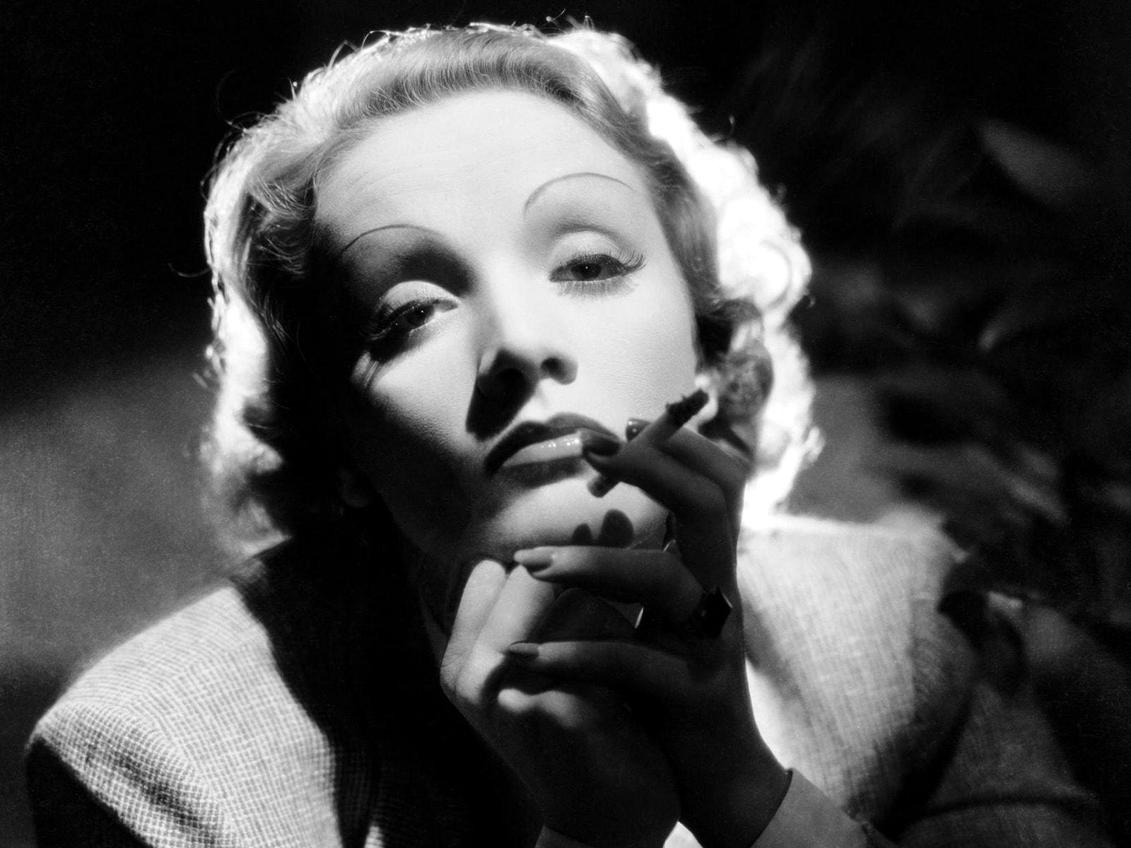 Marlene Dietrich Background