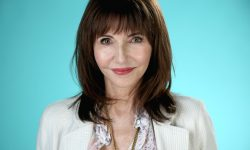 Mary Steenburgen Background