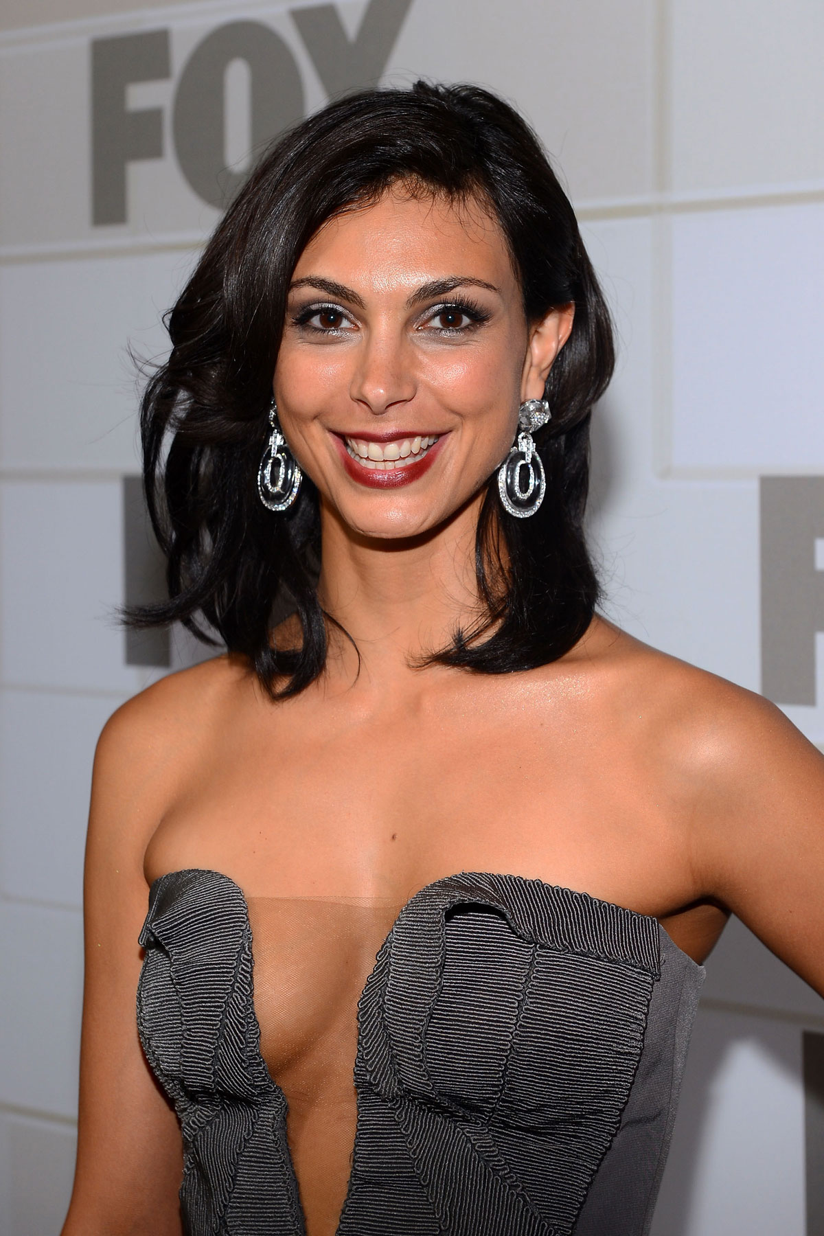 Morena Baccarin Background
