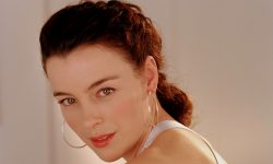 Olivia Williams Background