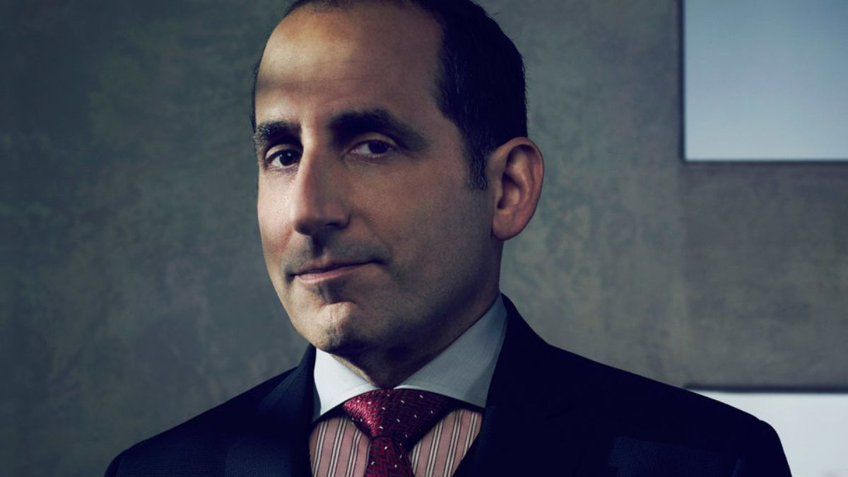 Peter Jacobson Background
