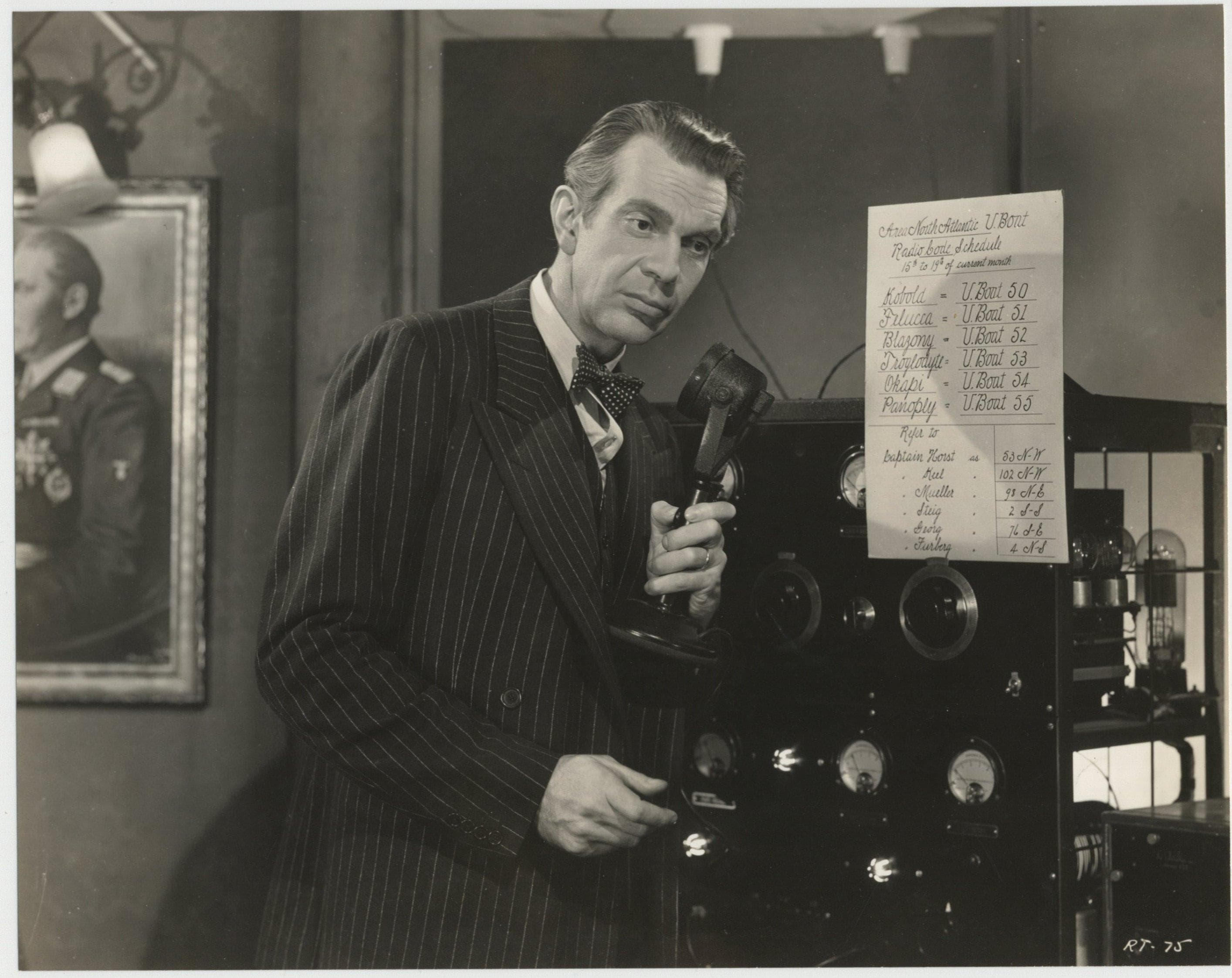 Raymond Massey Desktop wallpapers