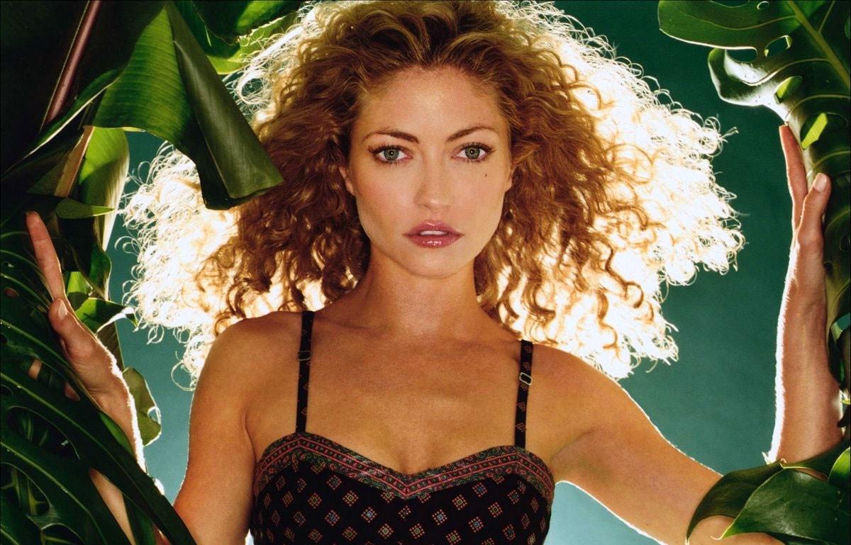 Rebecca Gayheart Background