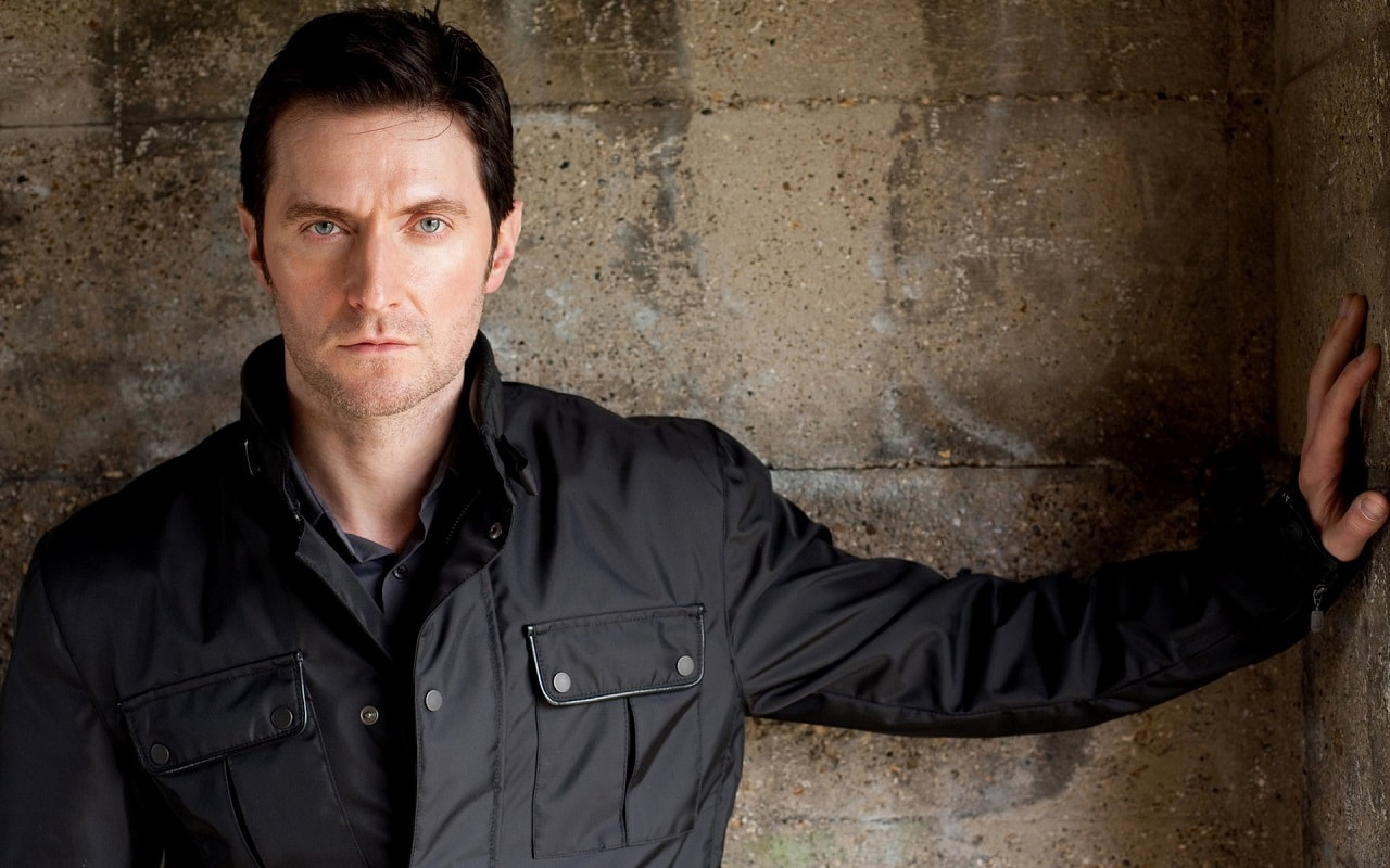 Richard Armitage Background