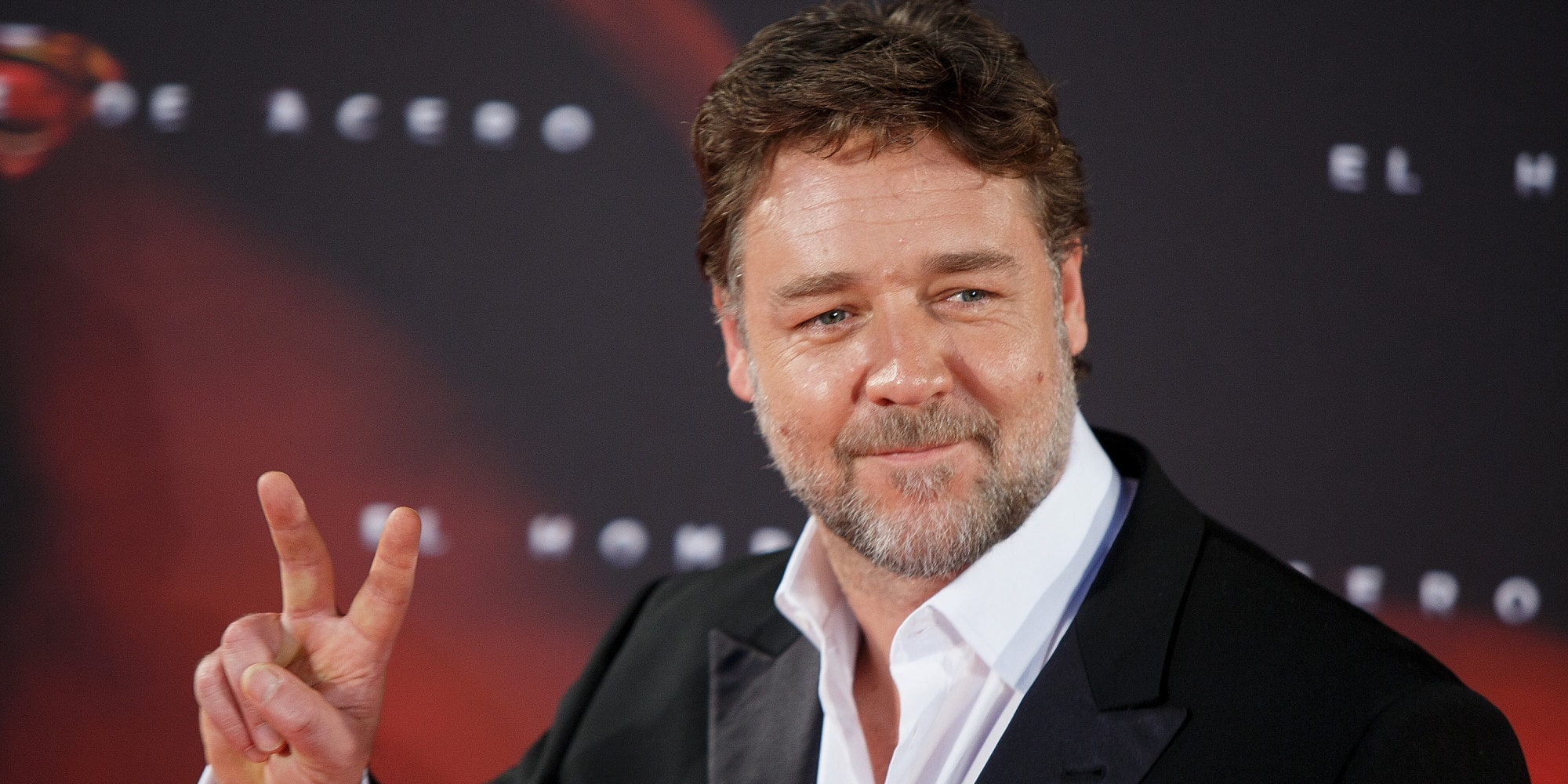 Russell Crowe Background