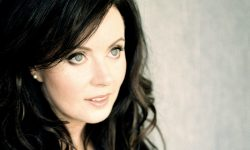 Sarah Brightman Background