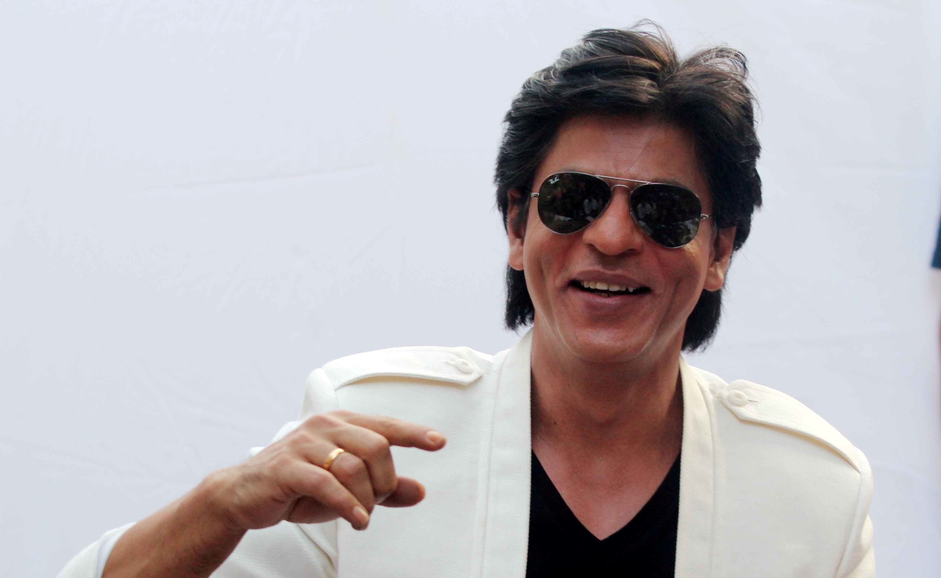 Shah Rukh Khan Background