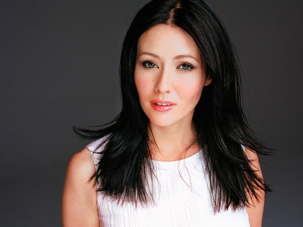 Shannen Doherty Background