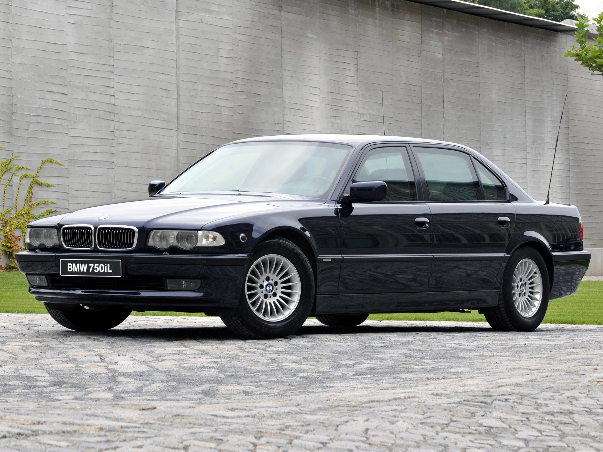 1995 BMW 7 Series widescreen wallpapers