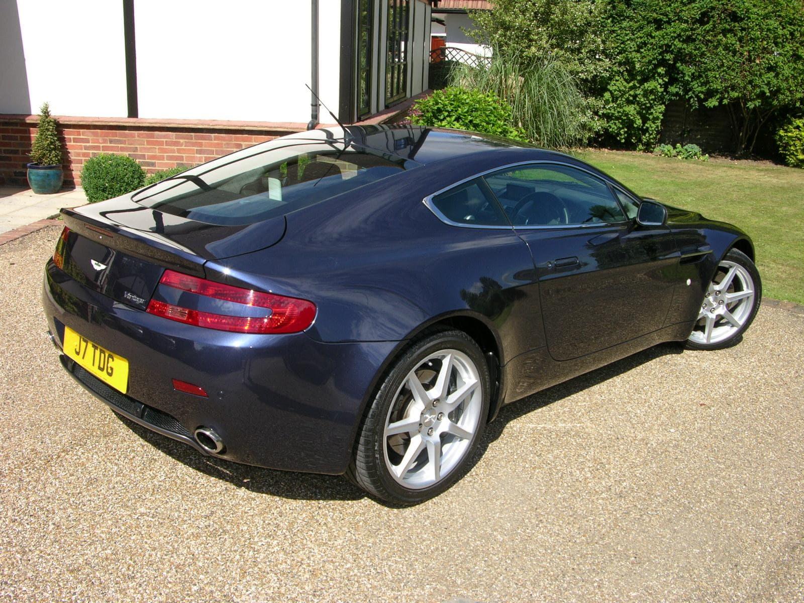 2006 Aston Martin V8 Vantage HD pics