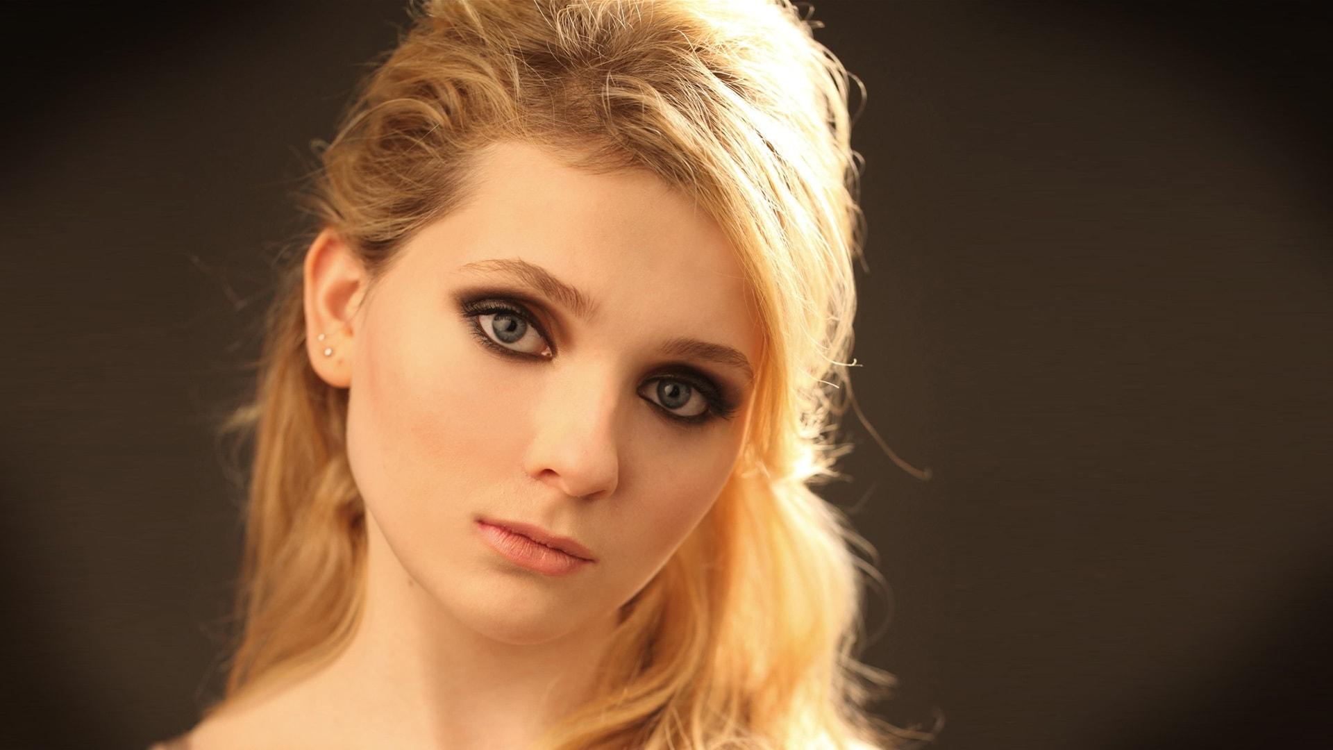 Abigail Breslin HD pics