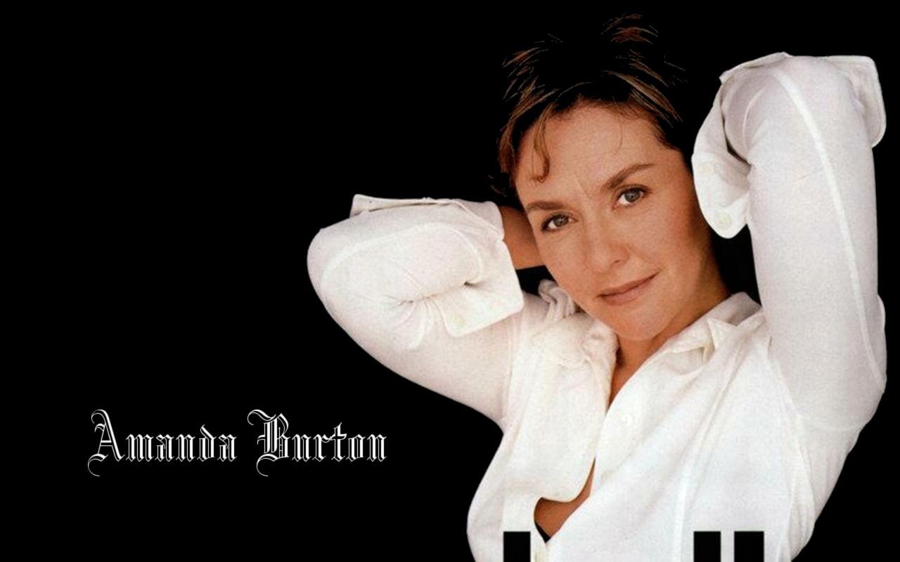 Amanda Burton HD pics