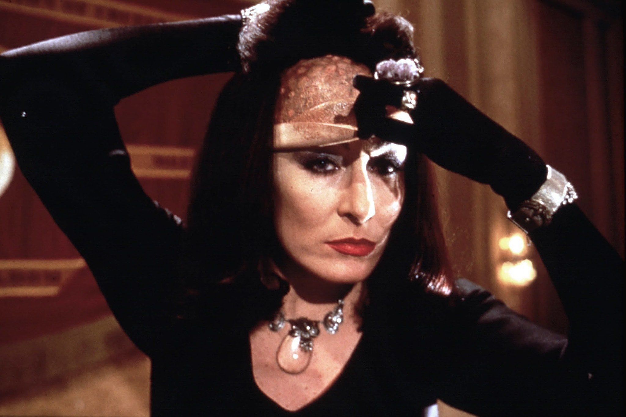 Anjelica Huston HD pics