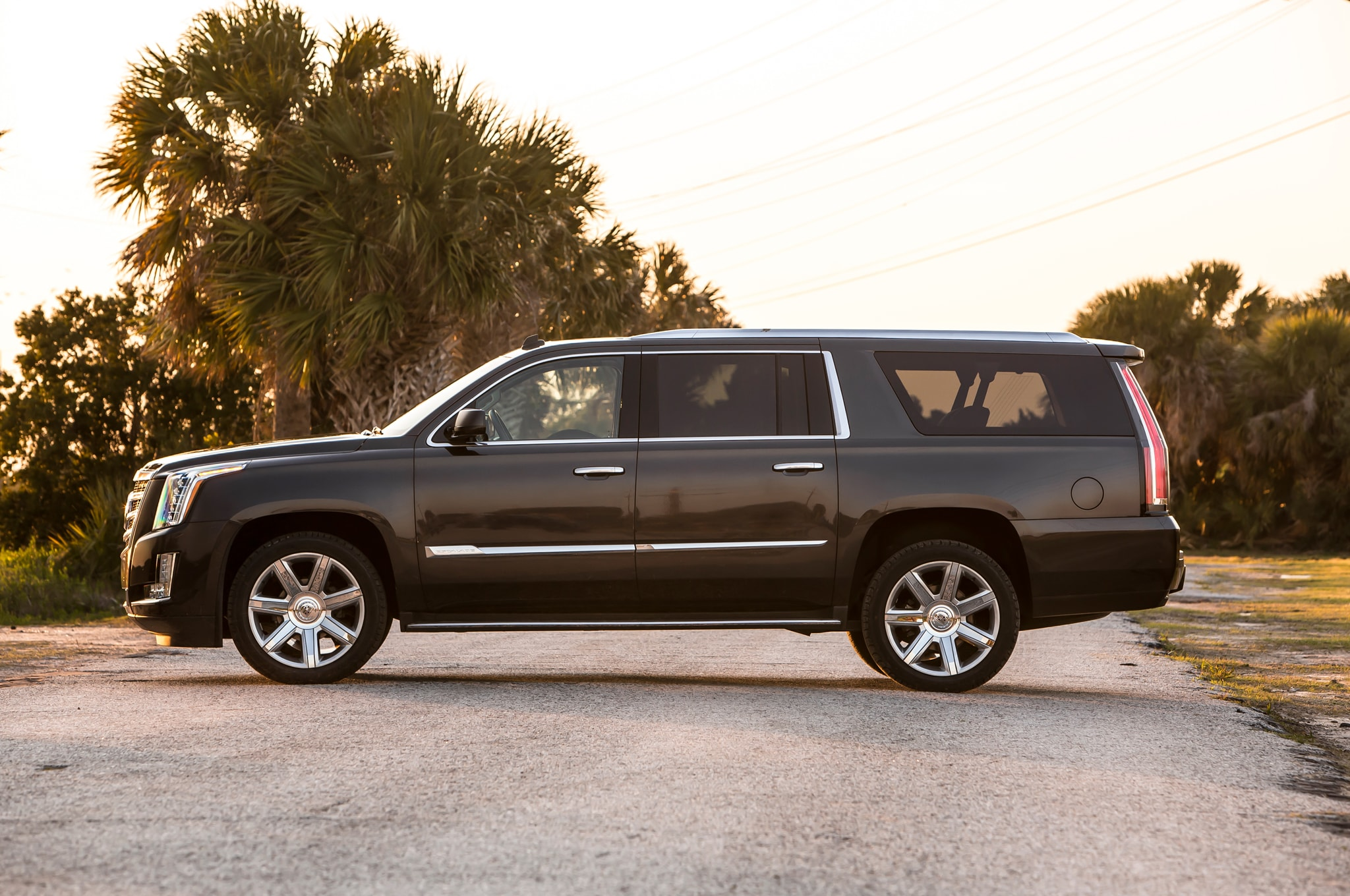 Cadillac Escalade 4 HD pics