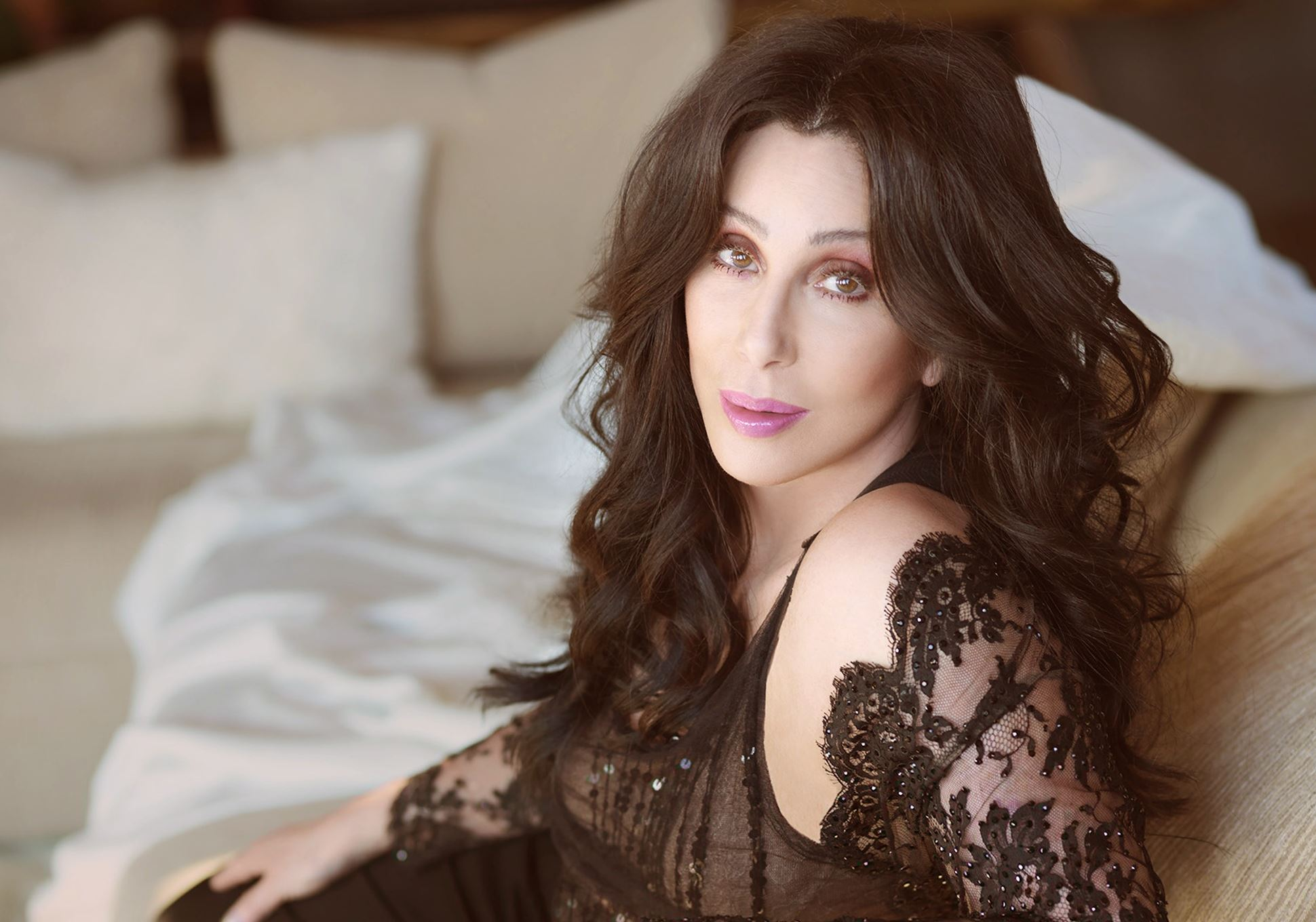 Cher HD pics
