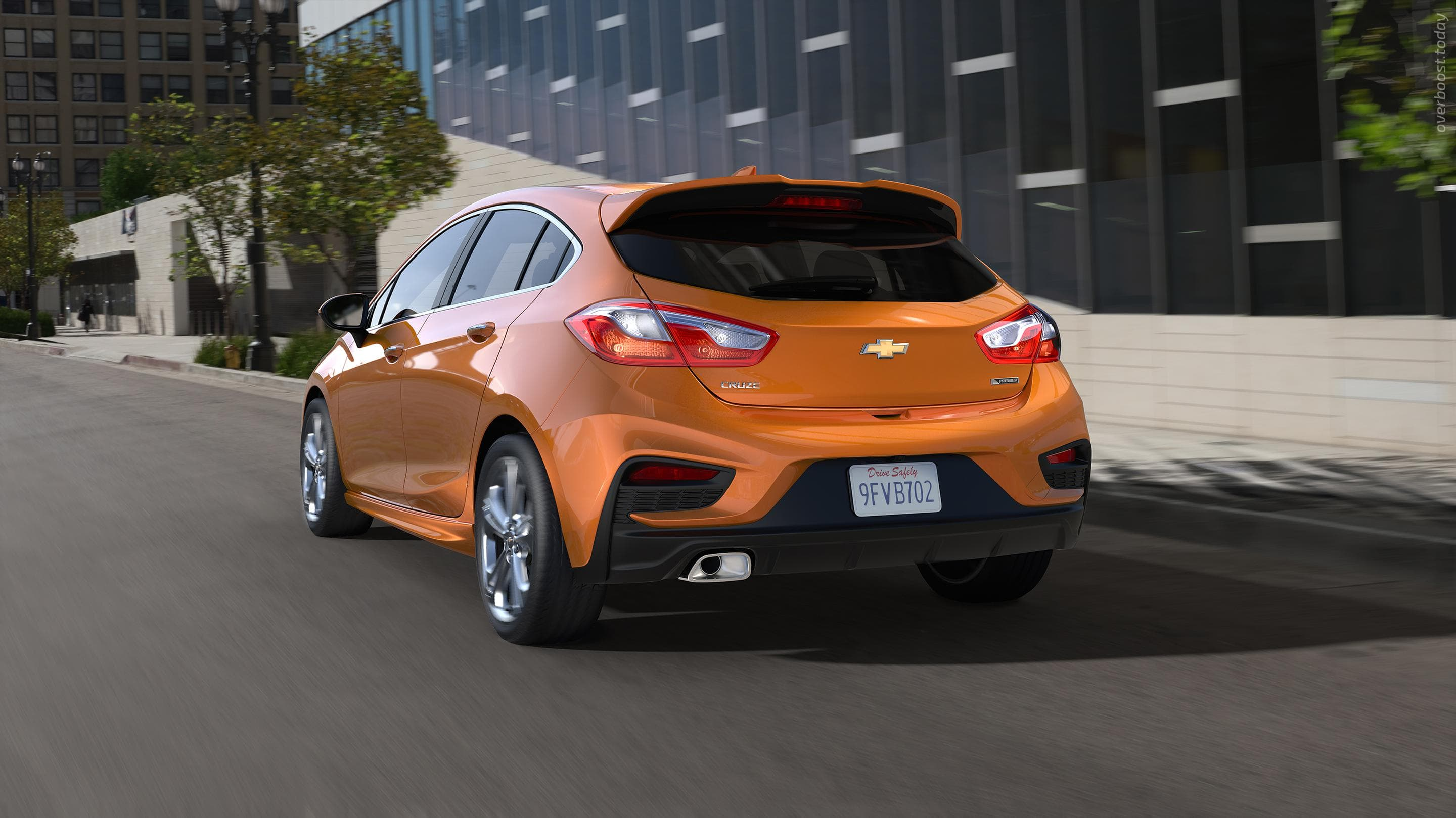 Chevrolet Cruze 2 Hatchback HD pics