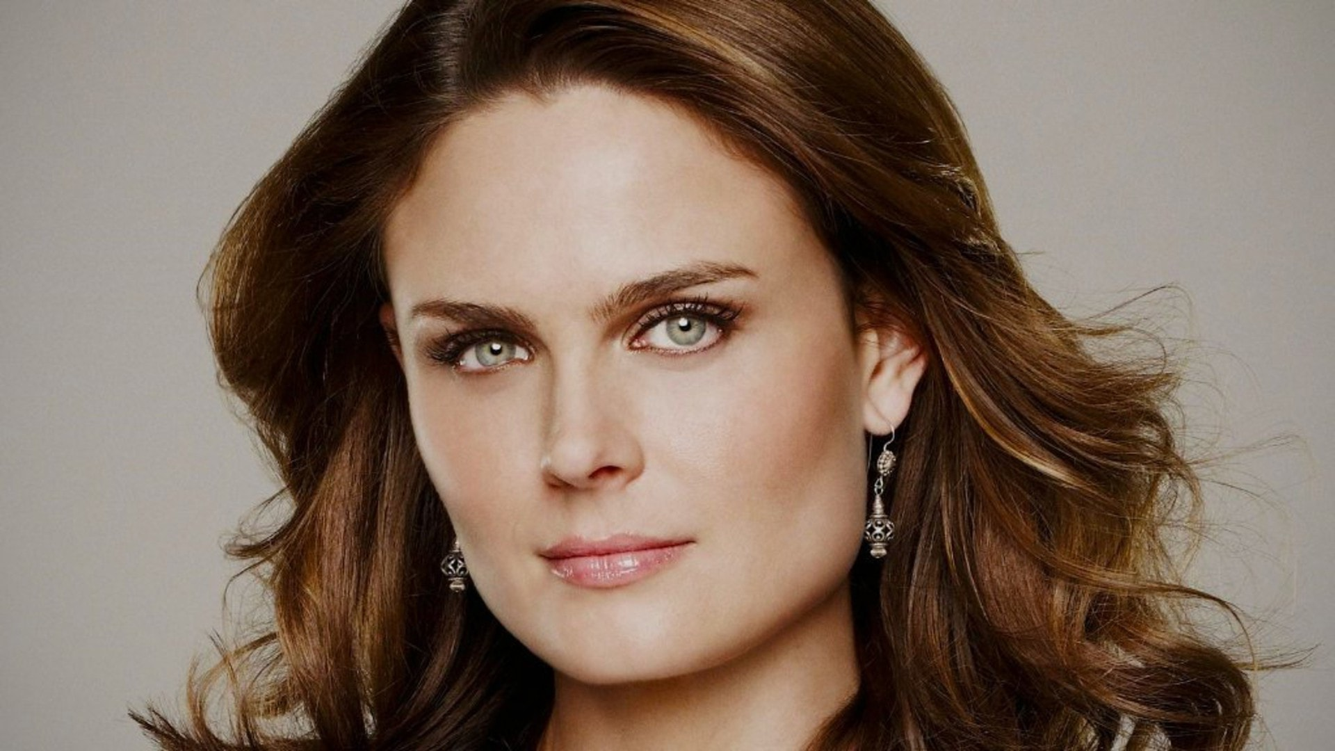 Emily Deschanel HD pics