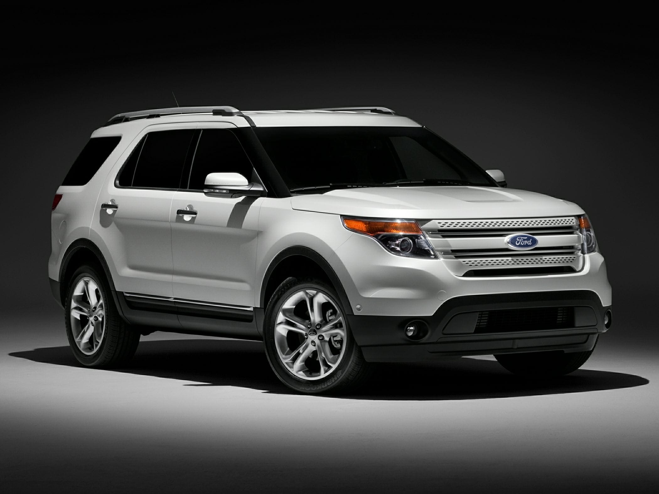 Ford Explorer HD pics