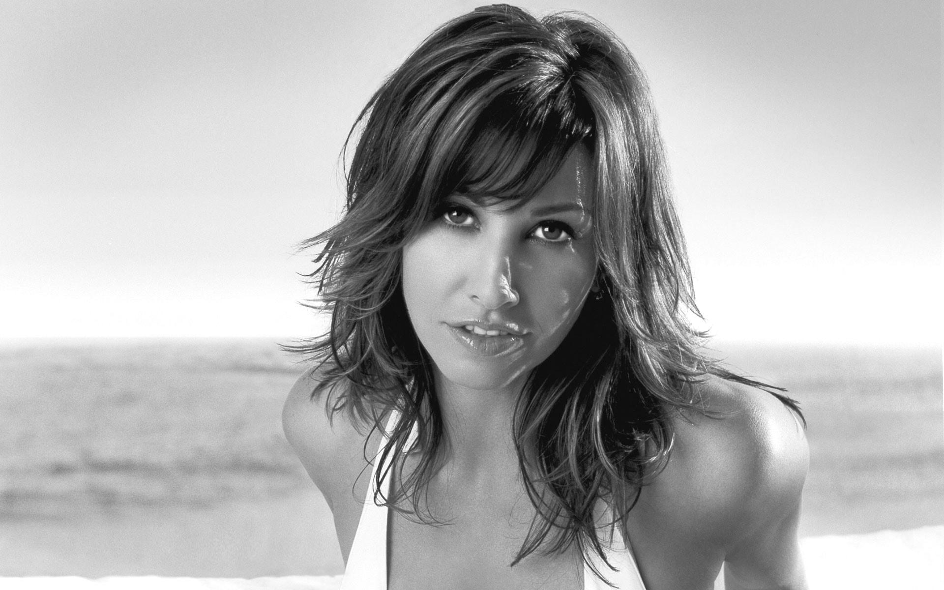 Gina Gershon HD pics