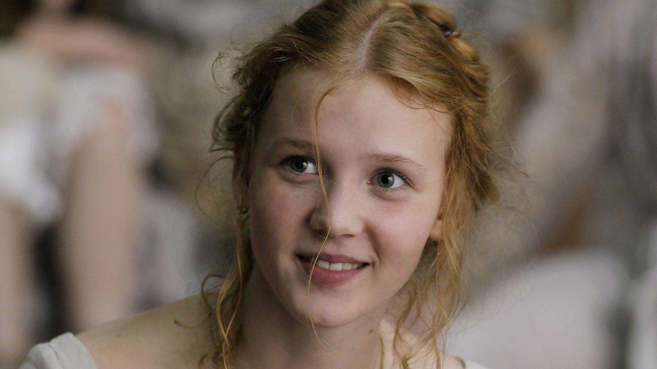 Isolde Dychauk HD pics