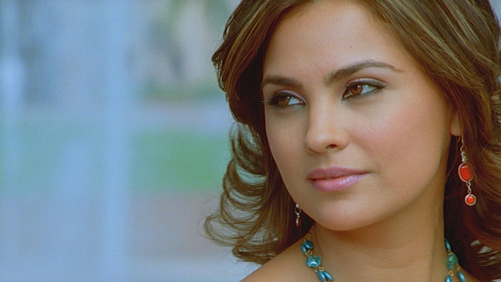 Lara Dutta HD pics