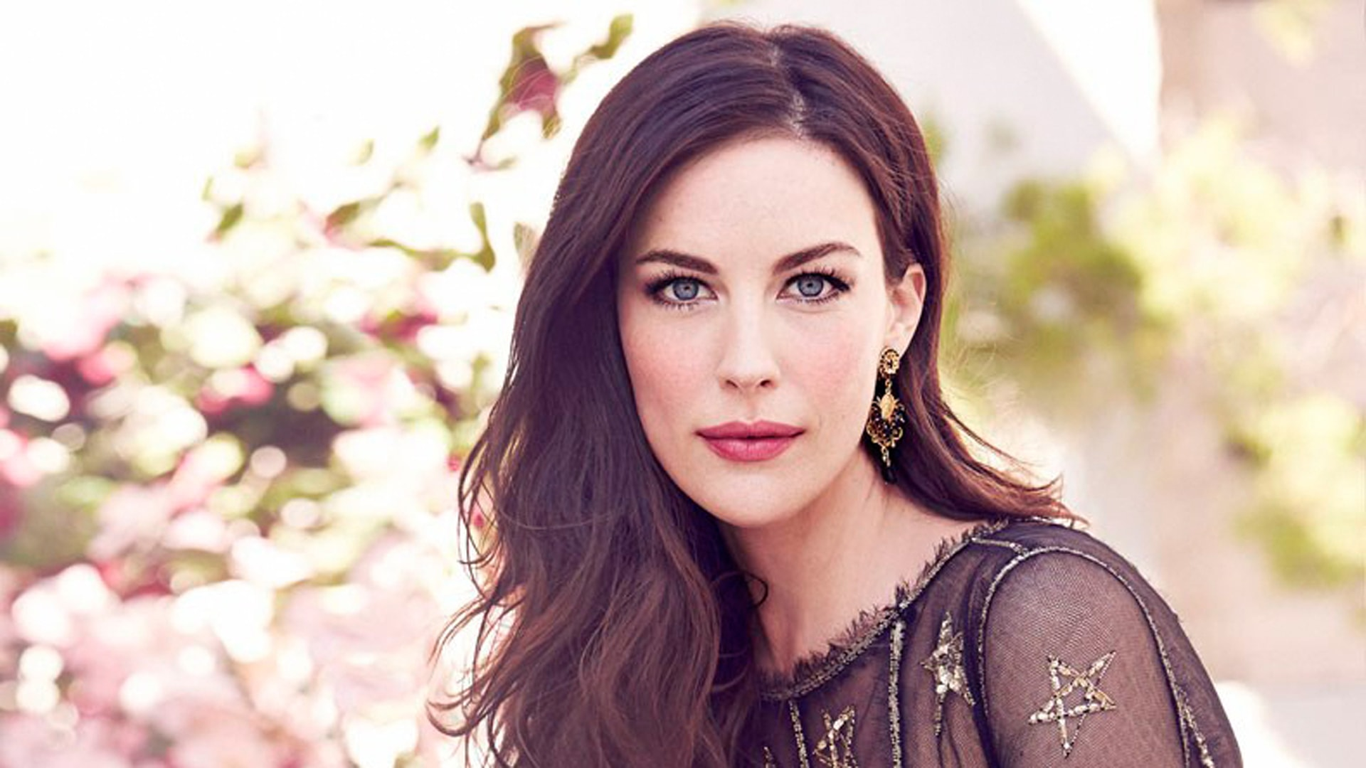 http://7wallpapers.net/wp-content/uploads/7_Liv-Tyler.jpg