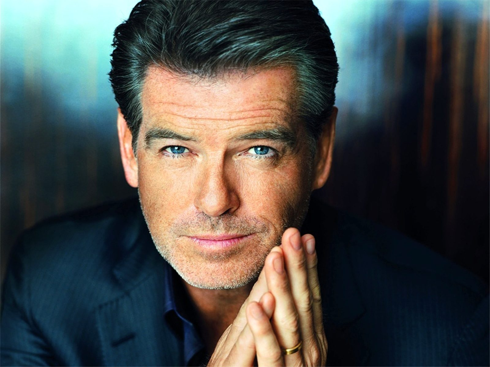 Pierce Brosnan HD pics