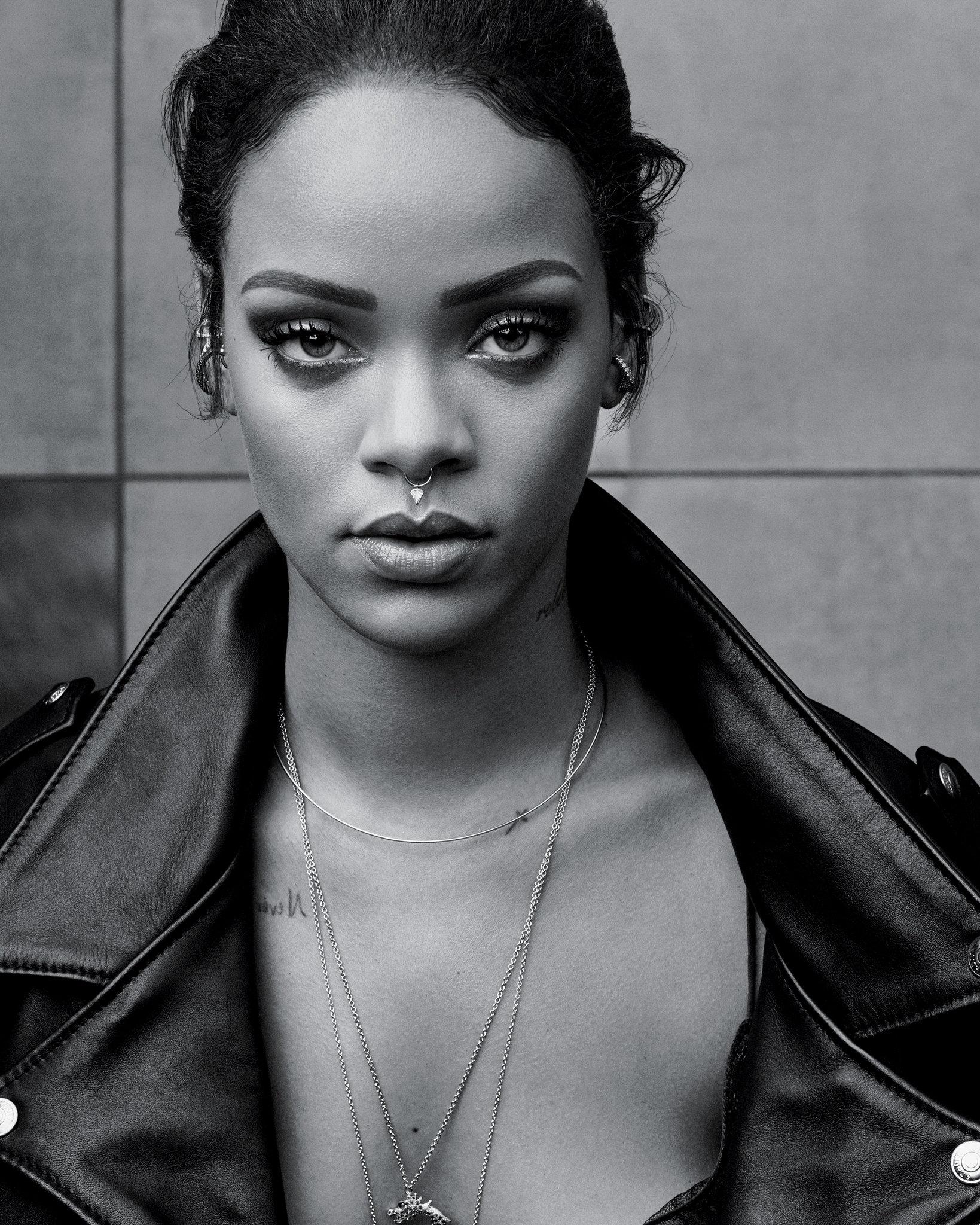 Rihanna HD pics