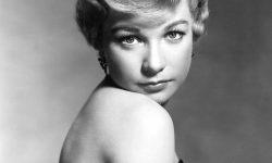 Shirley MacLaine HD pics