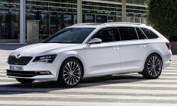 Skoda Superb Combi 3 HD pics