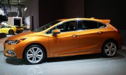 Chevrolet Cruze 2 Hatchback Wallpapers hd